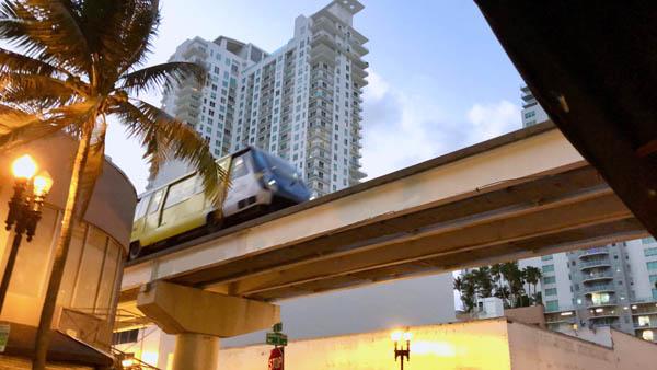 viajar gratis en Miami, Metromover